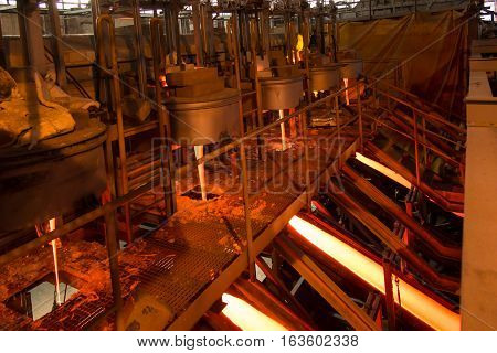 production of enamel the streams of molten glass at the installation
