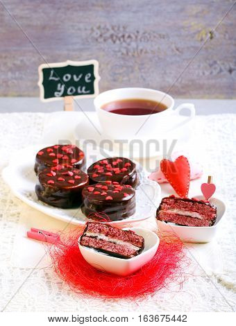 Sandwich cookies with marshmallow and jam filling