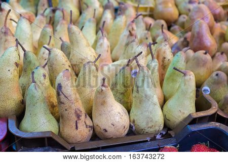 White pears  for sale at city market in Budapest, Hungary