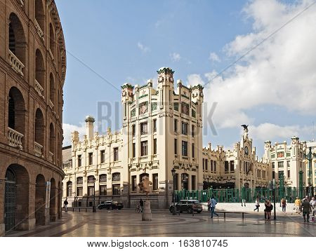 VALENCIA, SPAIN-OKTOBER 07, 2016: Square between bullring arena and central station in Valencia, Spain