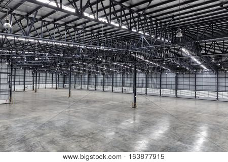 Construction Roof of empty warehouse for work
