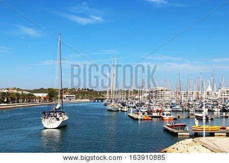 LAGOS, PORTUGAL - SEPTEMBER 24, 2015: Boats and yachts in Lagos marina
