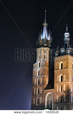 St. Mary'S Basilica At Night