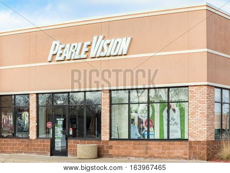 Pearle Vision Exterior And Logo