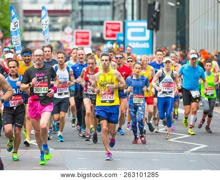 London, Uk - April 23, 2017: Lots Of People Running In London Marathon. People Cheering The Sportsme