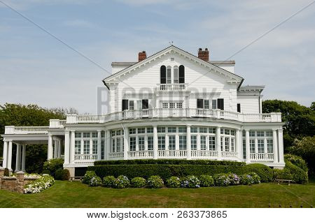 Mansion On Sheep Point Cove - Newport - Rhode Island