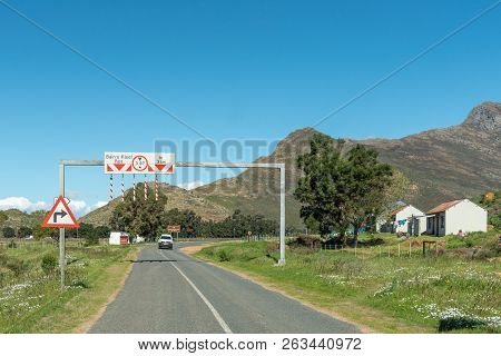 Bains Kloof, South Africa, August 8, 2018: Warning Signs At The Start Of The Bains Kloof Pass In The