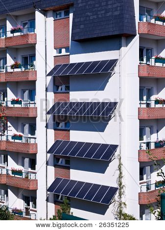 Apartment house with system of solar energy sources