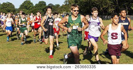Kings Park, Ny, Usa - 22 September 2018: The Start Of A Freshmen Boys Cross Country Race At Sunken M