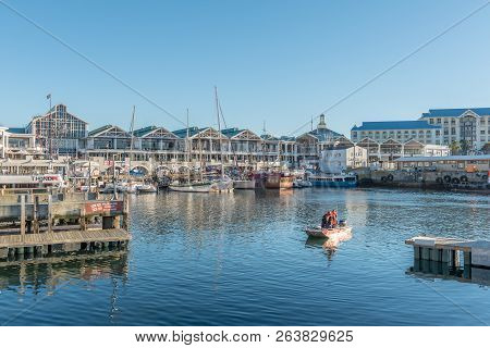 Cape Town, South Africa, August 9, 2018: View Of The Harbor And The Victoria And Alfred Waterfront I