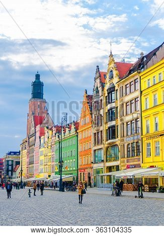 Wroclaw, Poland, May 7, 2019: Old Town Historical City Centre, Colorful Buildings With Multicolored