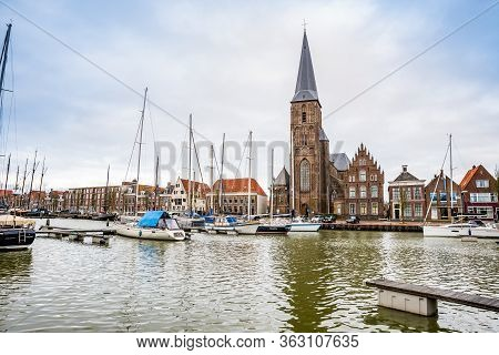 January 10, 2020. H. Aartsengel Michael Kerk - Church By The Water Canal In Winter