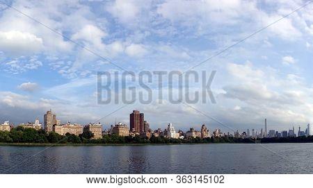 Manhattan Uptown Jacqueline Kennedy Onassis Reservoir Skyline
