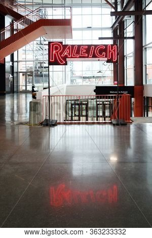 Raleigh,nc/usa - 3-21-2020: The Interior Of Union Station Train Depot In Raleigh, Nc, With A Neon Ra