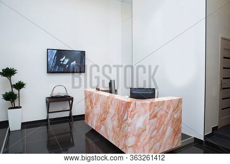 Interior Design . Reception Of A Bright Beauty Salon . Reception Area At The Beauty Salon . Red Marb
