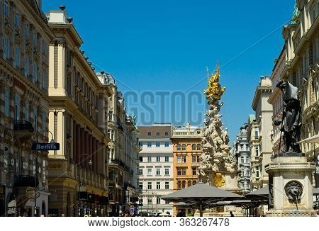 Vienna, Austria - June 3, 2019: The Graben, A Wide Pedestrian Boulevard In The Heart Of The City, Fe