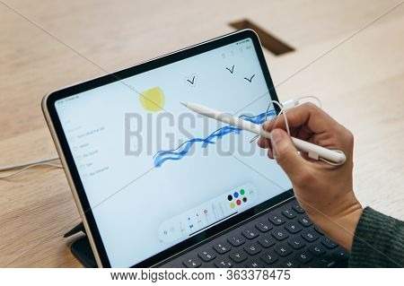 Turkey, Istanbul, December 17, 2019: Sale New Tablet Apple Ipad In The Official Apple Store. The Buy