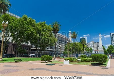 Buenos Aires - Argentina, December 27, 2015: Panoramic Photo Of Plaza De Mayo (plaza De Mayo) Famous