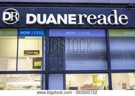 New York, Ny / Usa - April 19 2020: Open Duane Reade Pharmacy Location On Manhattan Upper East Side