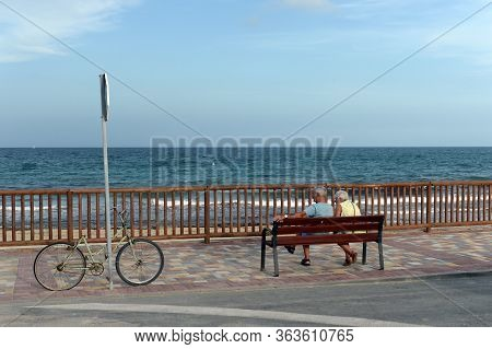 Orihuela, Costa Blanca, Spain - September 18, 2018:people Relax On The Promenade Of Orihuela, Costa