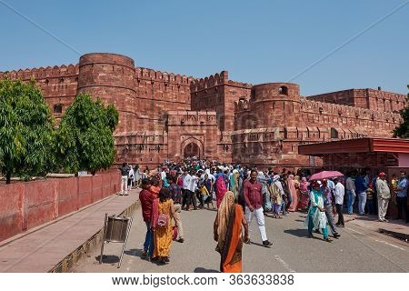 Agra, Uttar Pradesh / India - October 6, 2019: Tourists Visiting The Agra Fort Of The Mughal Dynasty