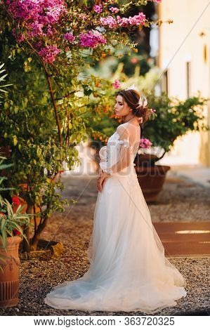 Stylish Young Bride On Her Wedding Day In Italy.elegant Bride From Tuscany.bride In A White Wedding