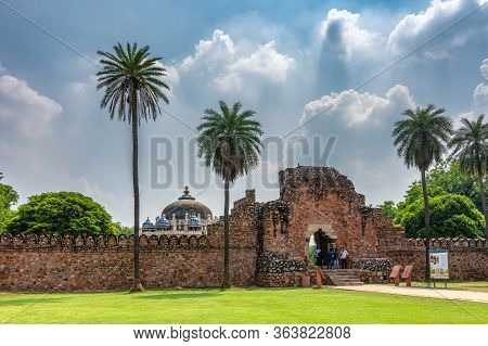 Delhi / India - September 21, 2019: Tomb Of Isa Khan, Part Of The Humayun's Tomb Mausoleum Complex I