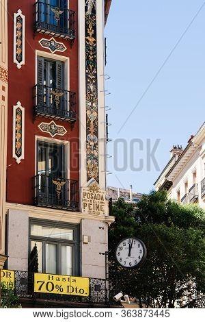 Madrid, Spain - June 1, 2019: Posada Del Peine Or Inn Of The Comb In Historic Centre Of Madrid. Post