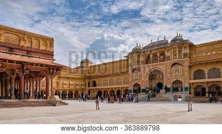 Ganesh Pol (ganesh Gate) Entrance To The Royal Palace At The Amer Fort In Jaipur, Rajasthan, India