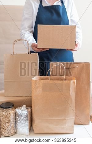 Worker Delivery Service Packing Bag Box Apron Packer Hand Post Shipment Note