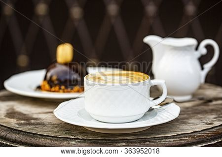 Loving Coffee. Cup Of Fresh Cappuccino. Chocolate Cake. Cappuccino In A Cup, Hot Latte, Delicious Co