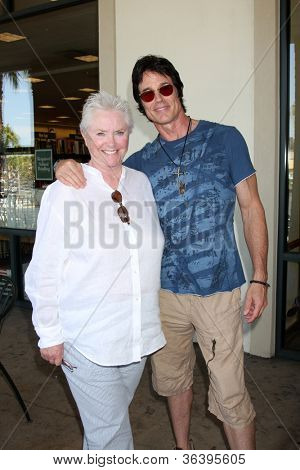 LOS ANGELES - AUG 18:  Susan Flannery, Ronn Moss at the book signing for William Bell Biography at Barnes & Noble on August 18, 2012 in Ventura, CA