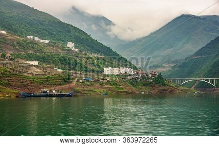 Wuchan, China - May 7, 2010: Dicui Or Emerald Gorge On Daning River. Landscape With Mountains Under