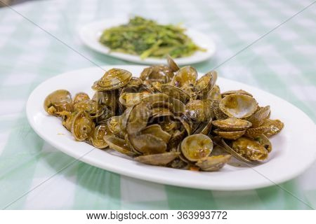 Hong Kong style stir fried clam