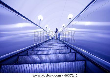 Verschieben Rolltreppe in u-Bahnstation
