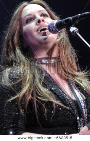 Alanis Morissette performing live