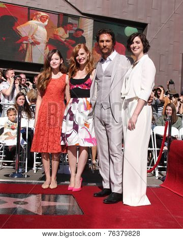 LOS ANGELES - NOV 17:  Mackenzie Foy, Jessica Chastain, Matthew McConaughey, Anne Hathaway at the Matthew McConaughey Hollywood WOF Star Ceremony  on November 17, 2014 in Los Angeles, CA