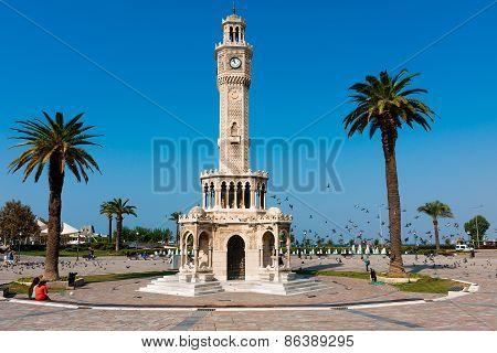 Izmir architecture, Clock Tower At Konak Square