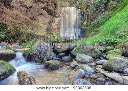 Upper Bridal Veil Falls in Oregon