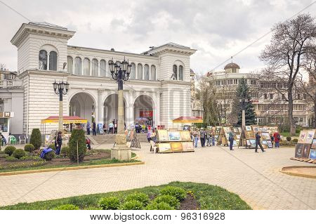 Kislovodsk. Artists In The Square Next To The Colonnade