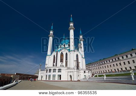 Kul Sharif (Qolsherif Kol Sharif Qol Sharif Qolsarif) Mosque in Kazan Kremlin. Main Jama Masjid in Kazan and Republic of Tatarstan. One of the largest mosques in Russia. UNESCO World Heritage Site poster