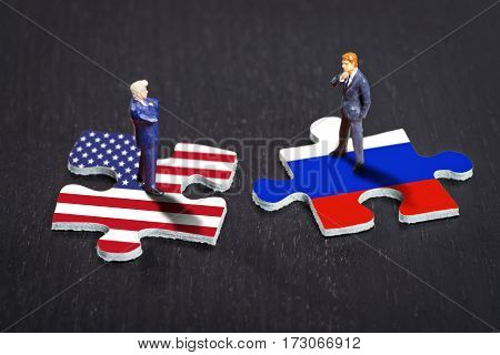 Puzzle pieces with the flags of the USA and Russia