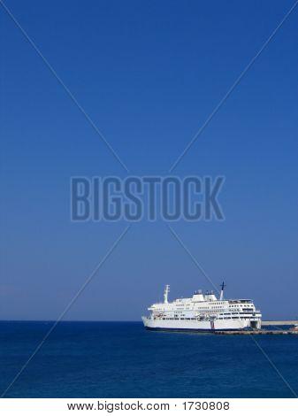 Boat_Greece