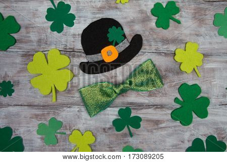 Black Hat St. Patrick Clover Leaves And Shiny Bow