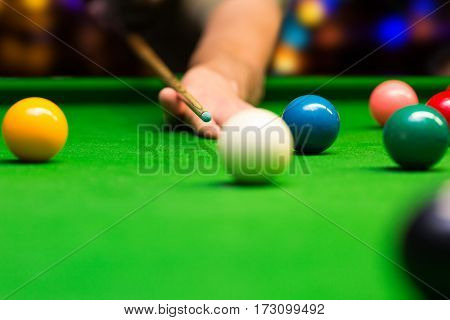 bar games - snooker. aiming the cue ball