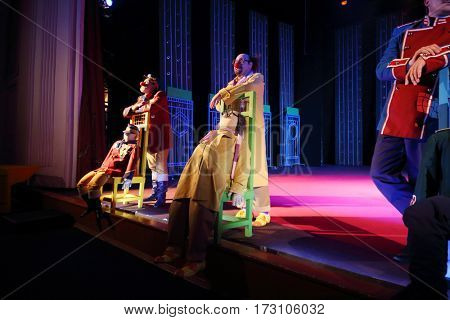 MOSCOW - OCT 19, 2016: Actors with puppets during Premium class Performance in Modern theater