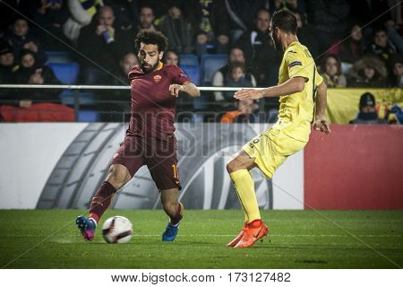 VILLARREAL, SPAIN - FEBRUARY 16: Mohamed Salah with ball during UEFA Europa League match between Villarreal CF and AS Roma at Ceramica Stadium on February 16, 2017 in Villarreal, Spain