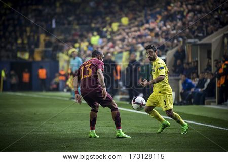 VILLARREAL, SPAIN - FEBRUARY 16: (L) Peres, (R) Costa during UEFA Europa League match between Villarreal CF and AS Roma at Ceramica Stadium on February 16, 2017 in Villarreal, Spain