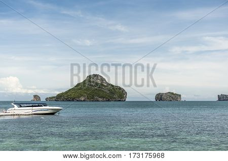 Beach and a pier on the Koh Mae Ko Island, a popular spot at the Ang Thong National Marine Park in Thailand