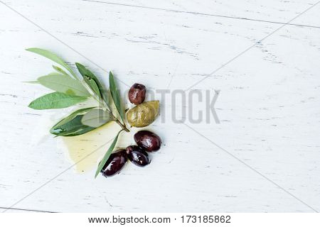 olives with leaves and oil